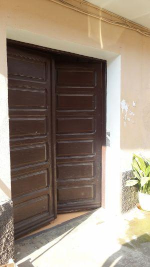 Puerta Vieja Abierta