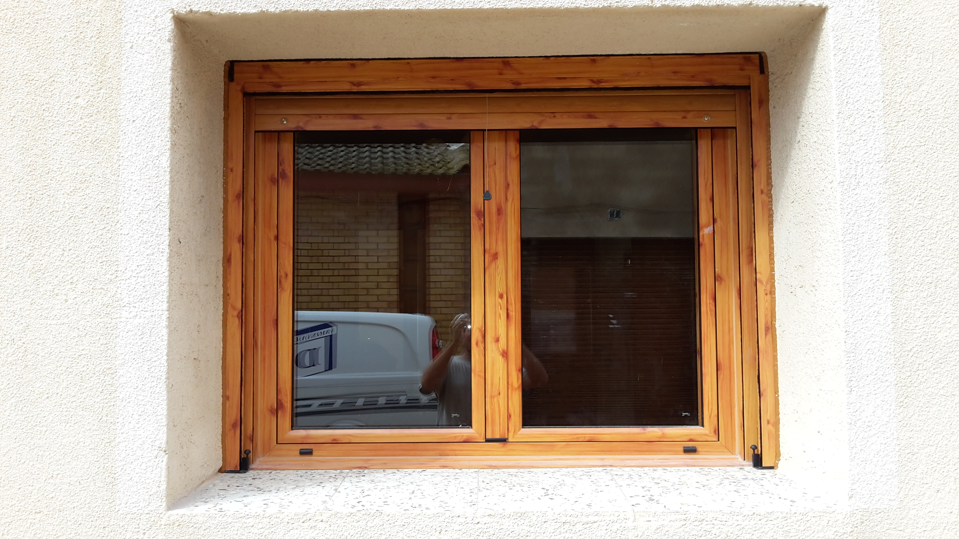 Montaje ventanas de aluminio montajes de aluminio dg for Ventanas en madera