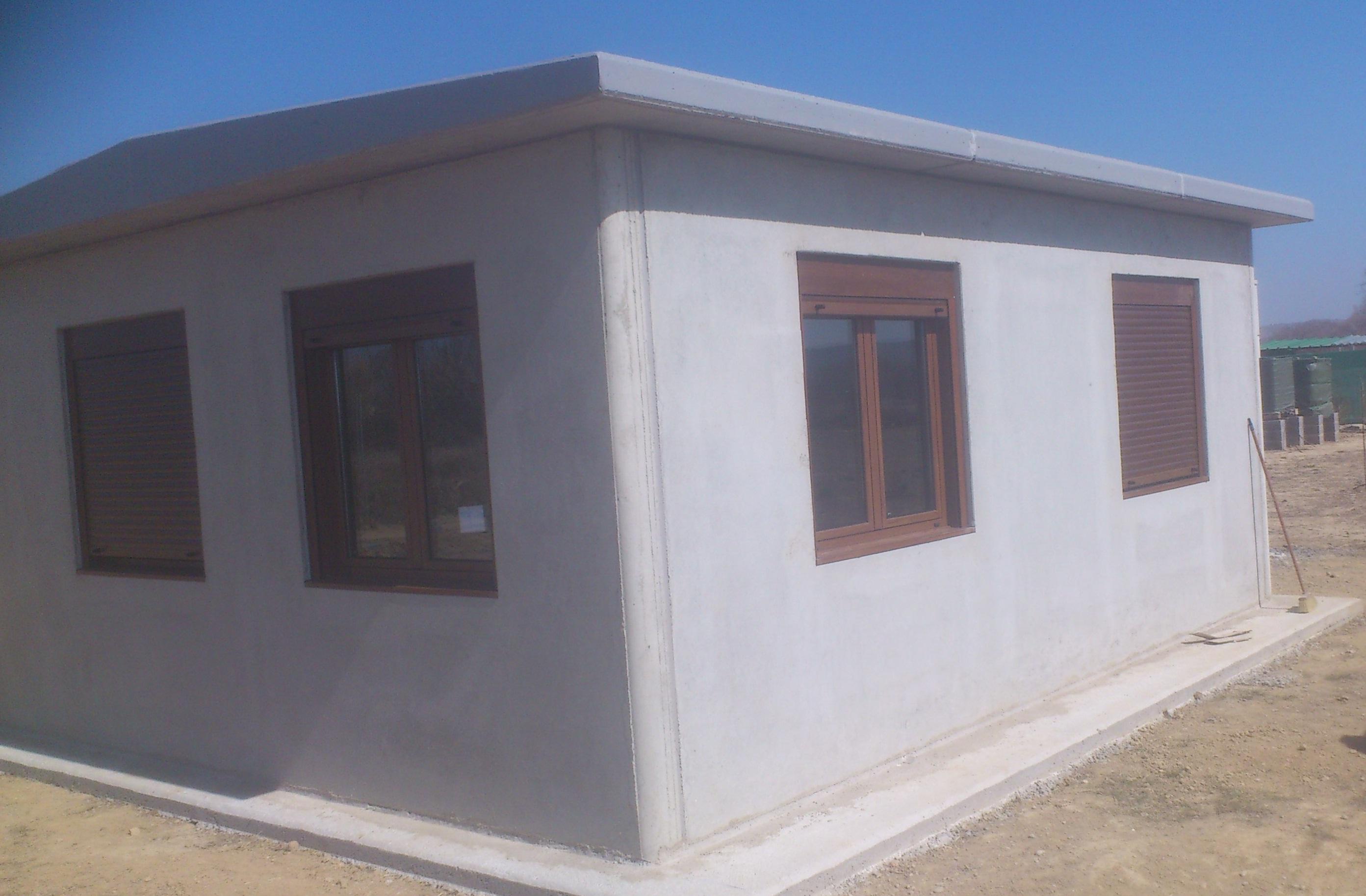 Trabajo ventanas de aluminio en parcela montajes de - Tipos de persianas de aluminio ...