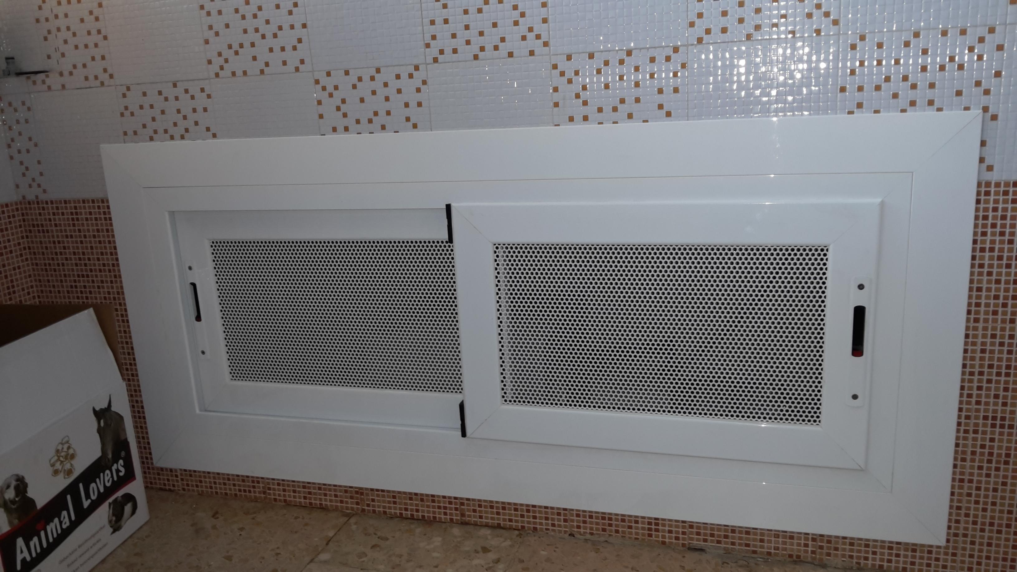 Puertas de rejilla montajes de aluminio dg - Rejillas de ventilacion para banos ...
